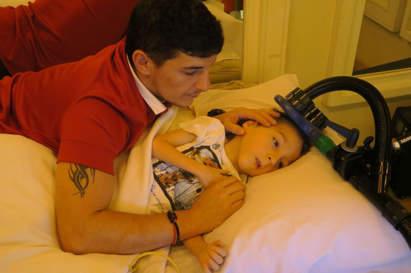 Dziecko z porażeniem mózgowym zauważa poprawę, decyduję się na powrót